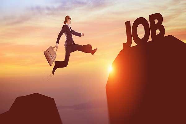 大学毕业后如何找到第一份工作